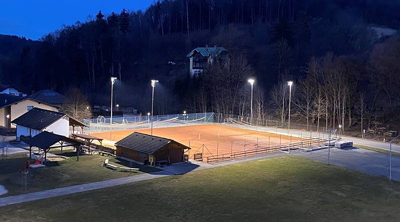 Flutlicht Tennisplatz